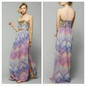 Ecote Treasure Trove 2/4 Strapless Maxi Dress